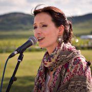 Photo of folk singer Ágnes Herczku